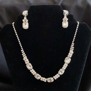 Mariel Necklace and earrings set
